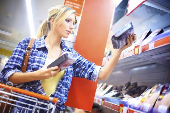 frau_beim_einkaufen
