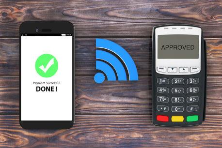 Darstellung einer kontaktlosen Transaktion mit dem Smartphone