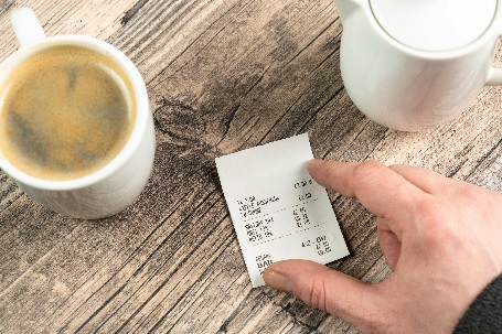 Kassenbonpflicht - Kassenbon mit Kaffetasse