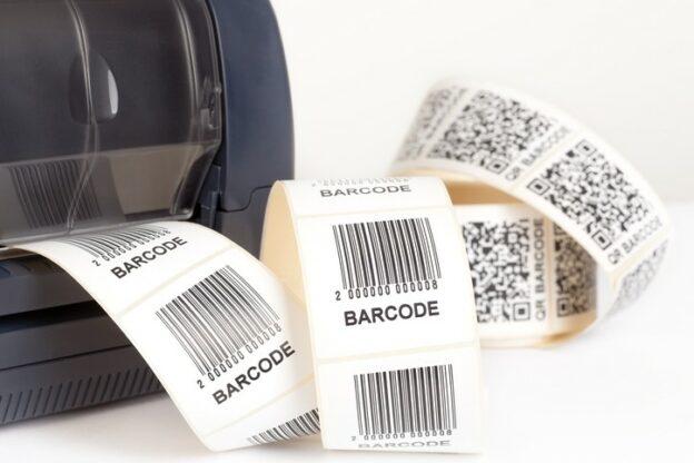 Etikettendrucker druckt Barcode Etiketten